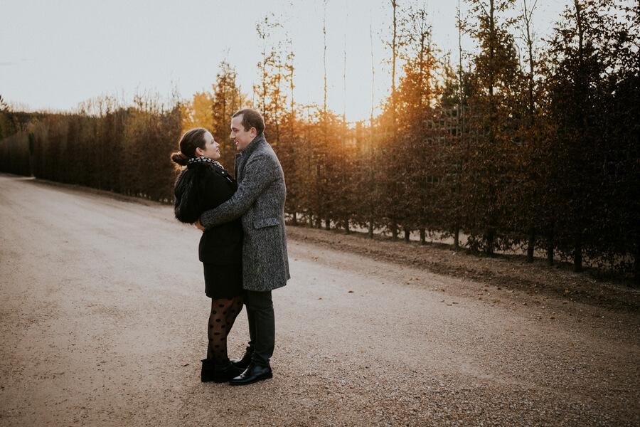seance photo de couple dans les jardins de Versailles